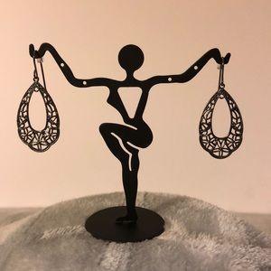 Jewelry - NWOT ~ Black Ornate Hollow Teardrop Earrings
